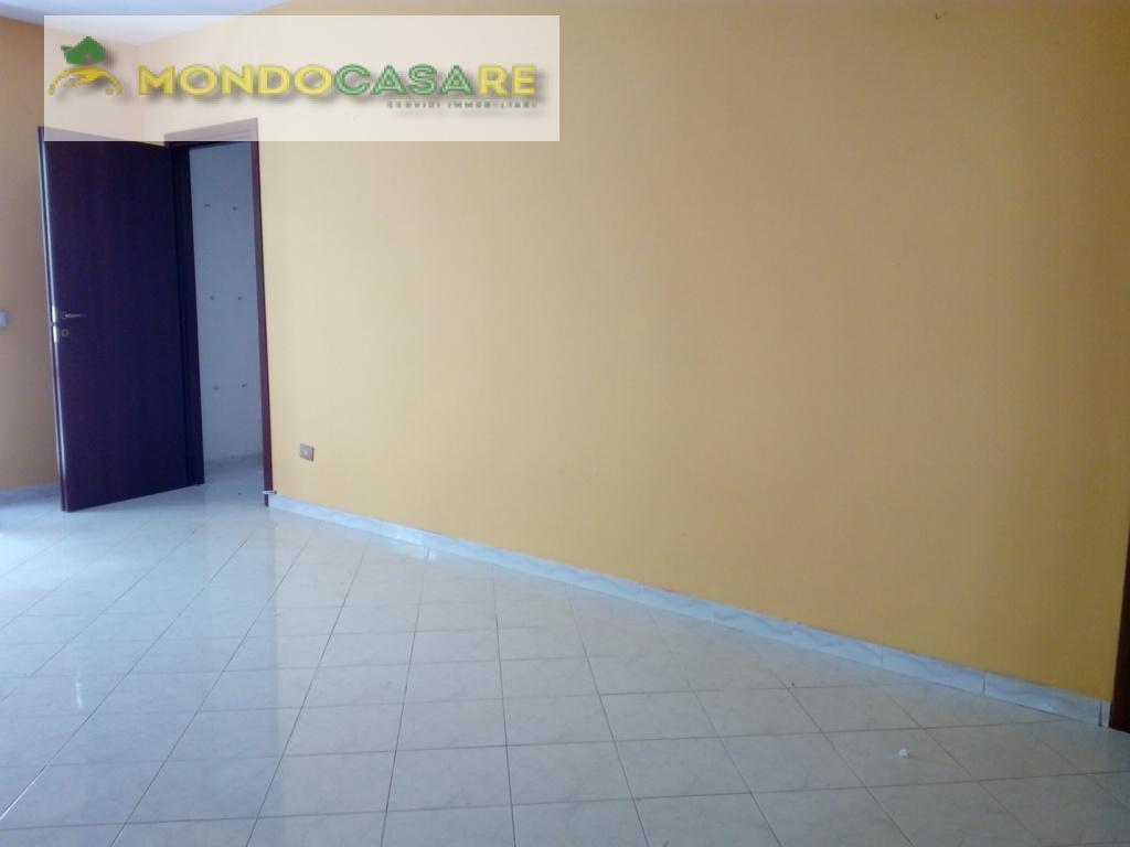 Appartamento in vendita a Palombara Sabina, 3 locali, prezzo € 125.000 | CambioCasa.it