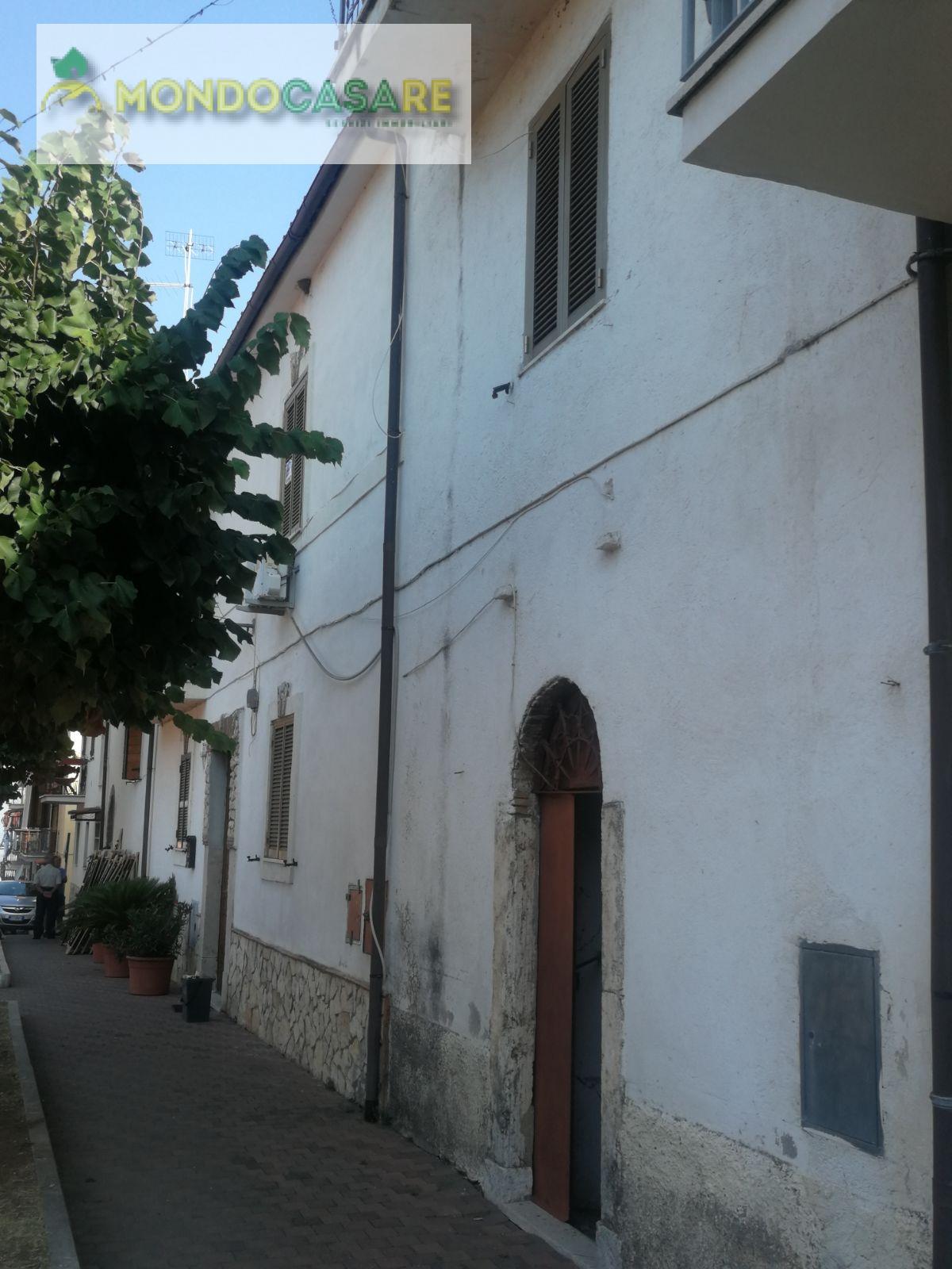 Appartamento in vendita a Palombara Sabina, 2 locali, prezzo € 33.000 | CambioCasa.it