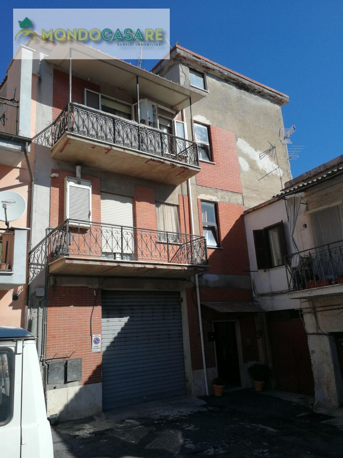 Appartamento in vendita a Palombara Sabina, 4 locali, zona Zona: Cretone, prezzo € 135.000 | CambioCasa.it