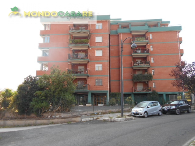 Appartamento in vendita a Palombara Sabina, 3 locali, prezzo € 135.000   CambioCasa.it