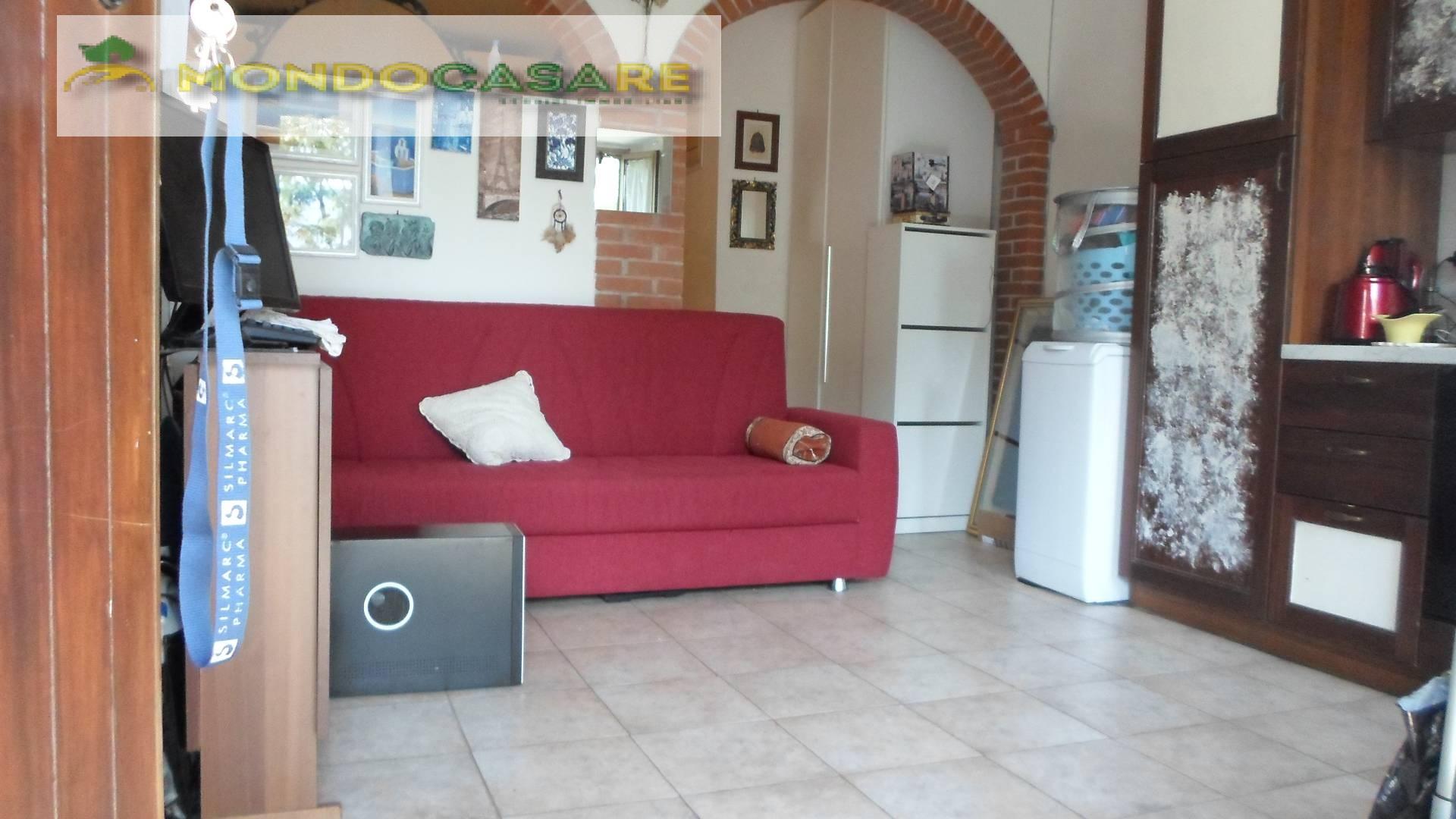 Appartamento in affitto a Palombara Sabina, 2 locali, zona Zona: Cretone, prezzo € 300 | CambioCasa.it