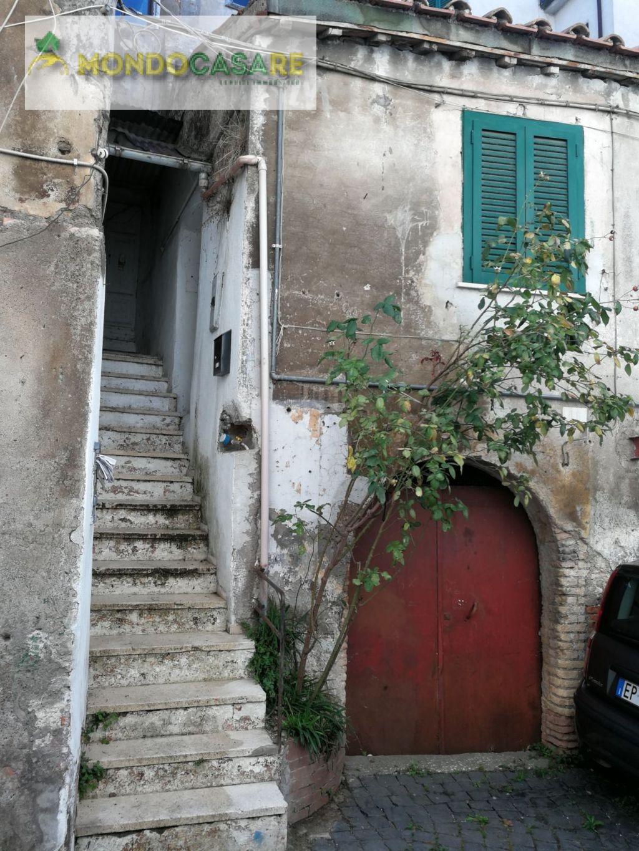 Appartamento in vendita a Palombara Sabina, 2 locali, prezzo € 29.000 | CambioCasa.it