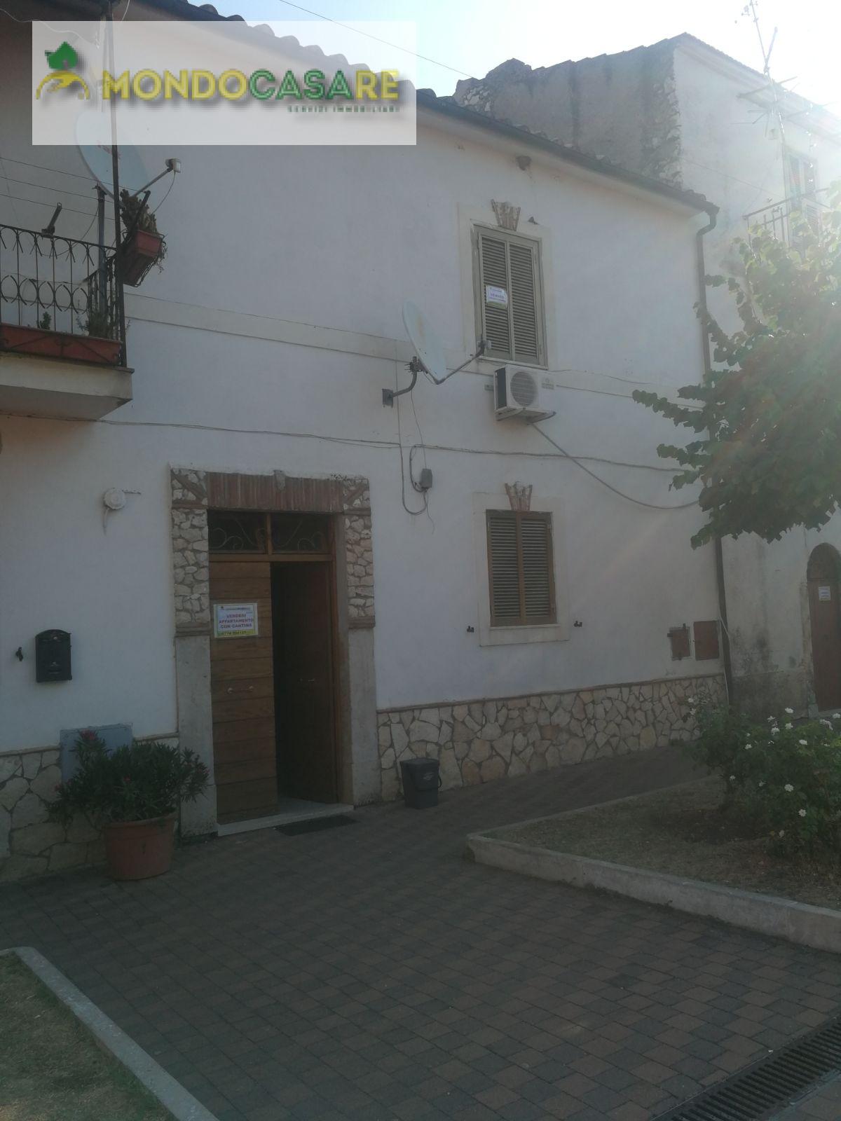 Appartamento in affitto a Palombara Sabina, 2 locali, zona Zona: Stazzano, prezzo € 250 | CambioCasa.it