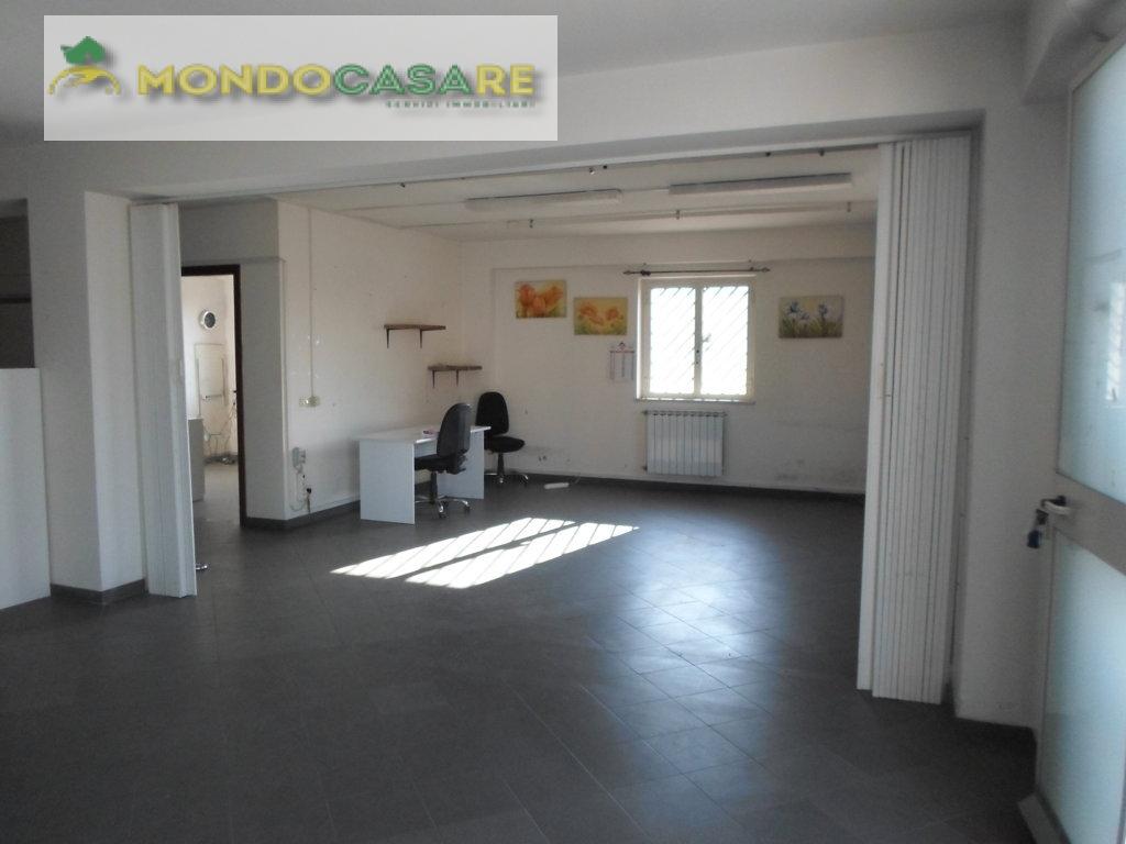 Capannone in vendita a Palombara Sabina, 9999 locali, prezzo € 135.000   CambioCasa.it