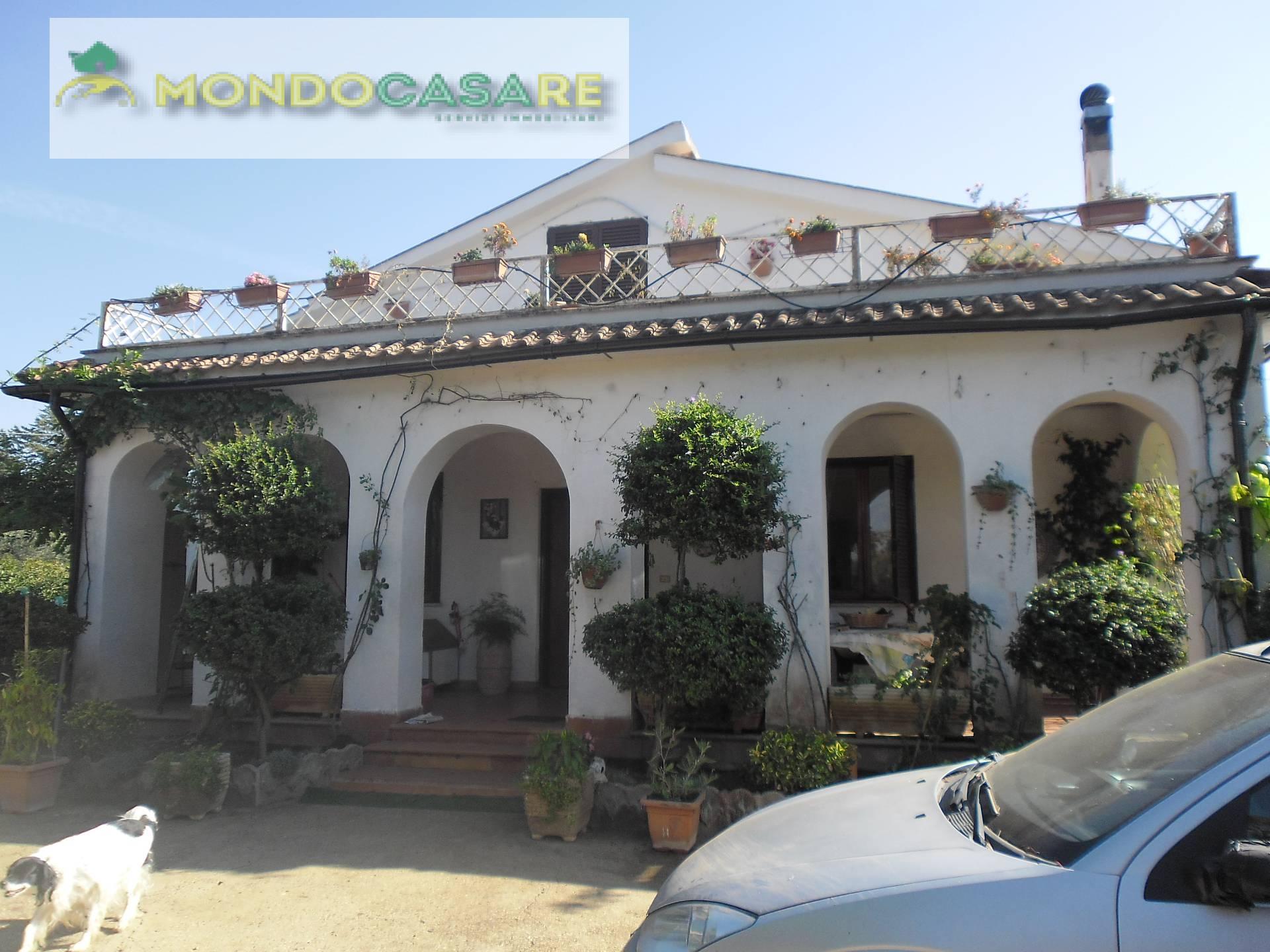 Villa in vendita a Palombara Sabina, 4 locali, prezzo € 165.000 | CambioCasa.it