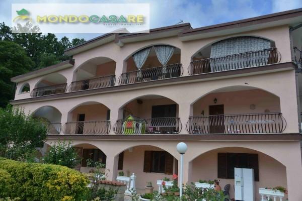Villa in vendita a Palombara Sabina, 6 locali, prezzo € 159.000 | CambioCasa.it