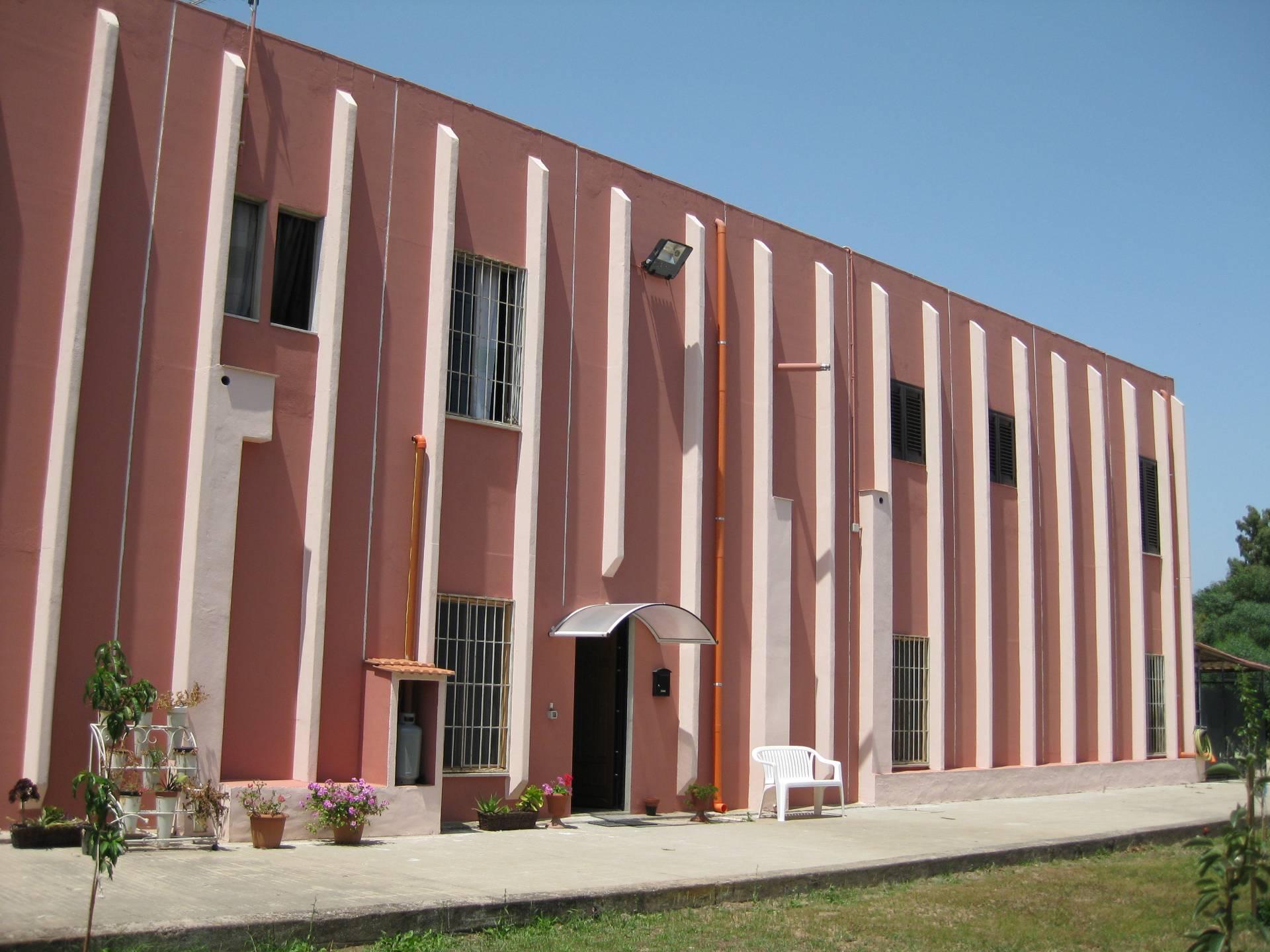 Capannone in vendita a Olbia - Porto Rotondo, 9999 locali, zona Località: zonaIndustriale, prezzo € 850.000 | Cambio Casa.it