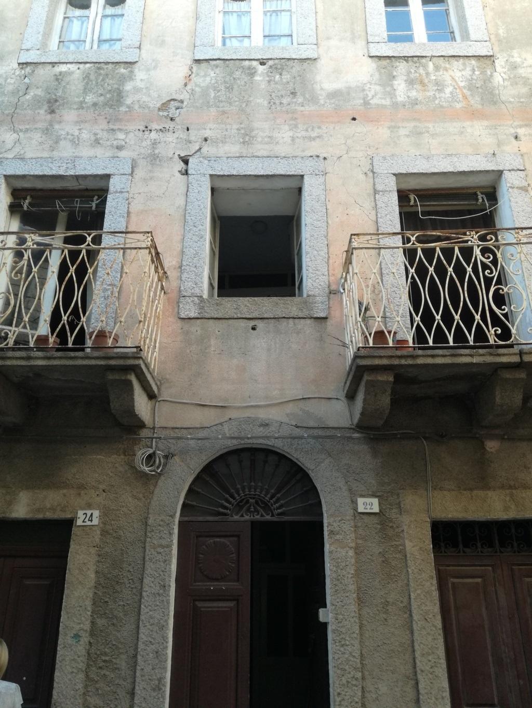 Soluzione Indipendente in vendita a Tempio Pausania, 6 locali, zona Località: Centrostorico, prezzo € 90.000 | CambioCasa.it
