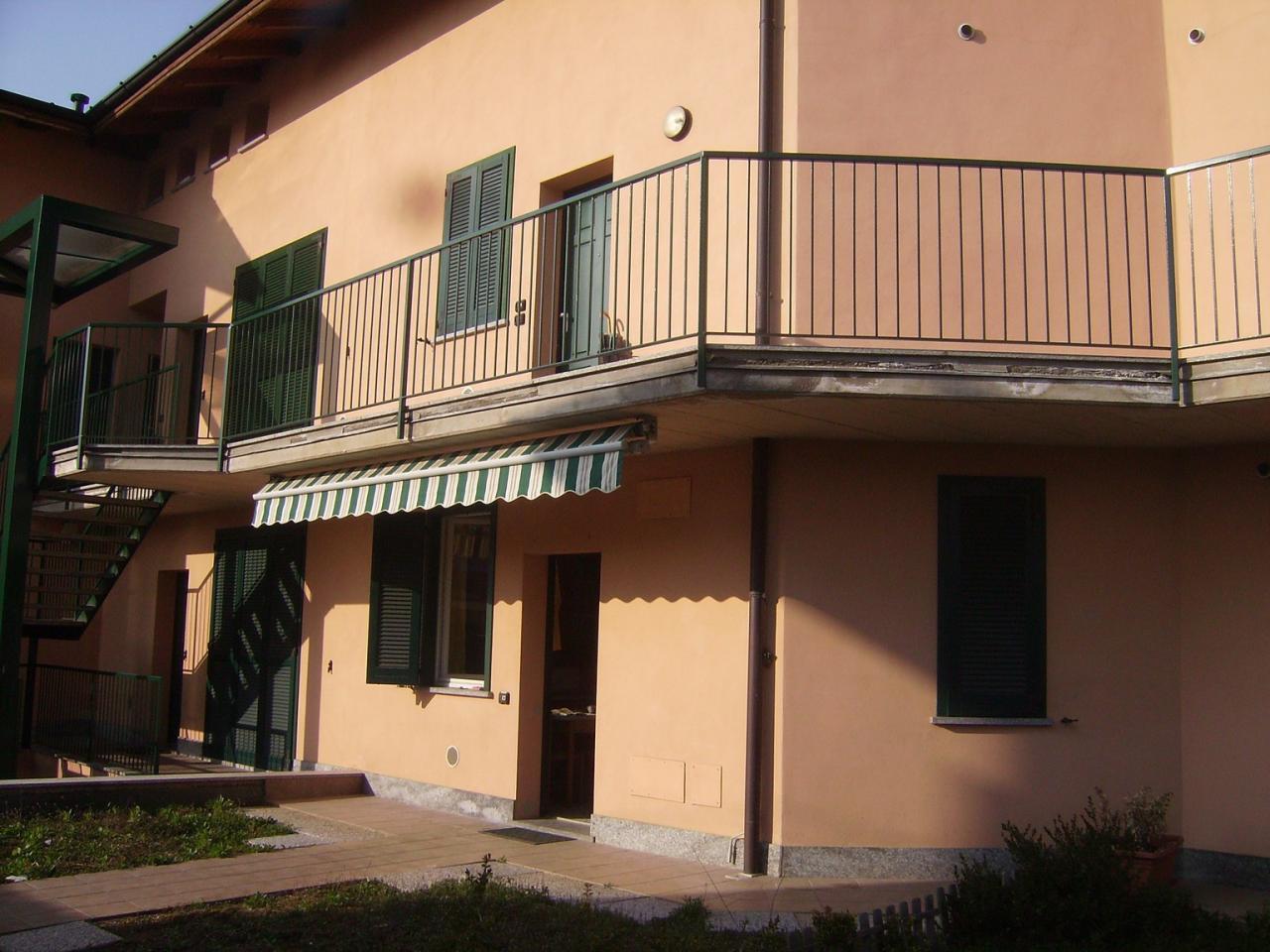 Bilocale Binago Via Monte Bianco 6