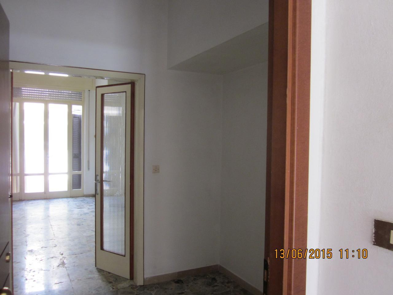 Soluzione Indipendente in vendita a Viareggio, 7 locali, prezzo € 400.000   Cambio Casa.it