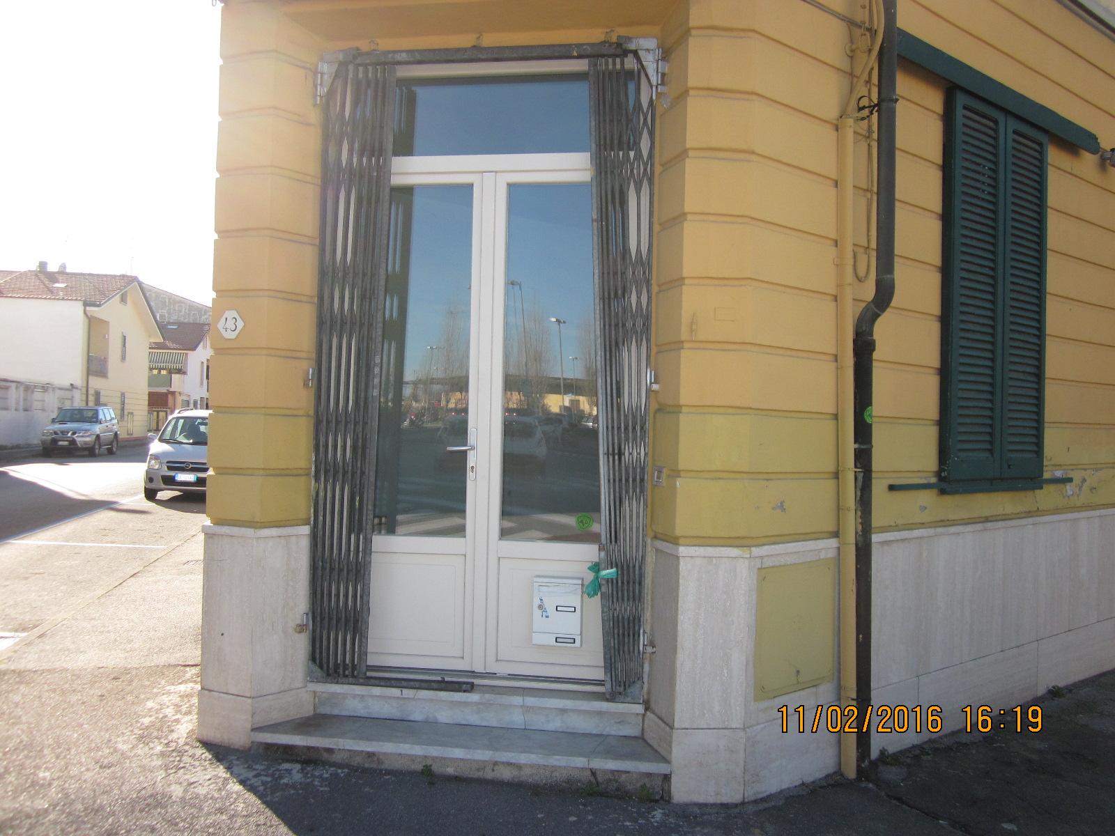 Attività / Licenza in affitto a Viareggio, 9999 locali, zona Località: Darsena/CampoDaviazione, prezzo € 500 | Cambio Casa.it