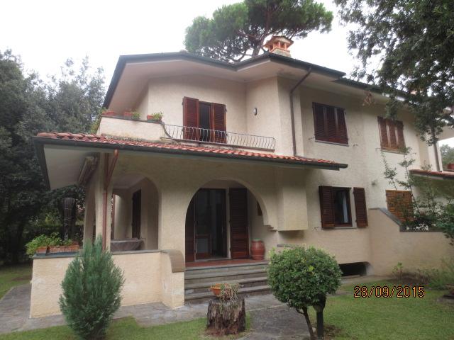 Soluzione Indipendente in vendita a Pietrasanta, 6 locali, prezzo € 700.000 | Cambio Casa.it