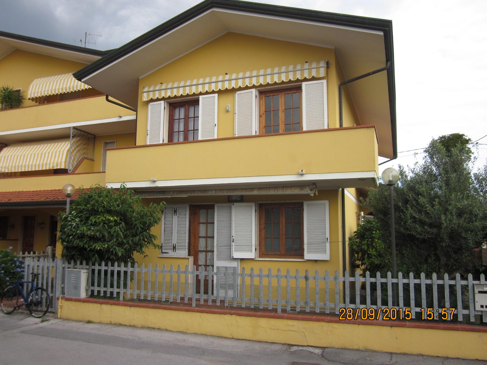 Soluzione Indipendente in vendita a Viareggio, 5 locali, zona Località: Entroterragenerico, prezzo € 319.000 | Cambio Casa.it