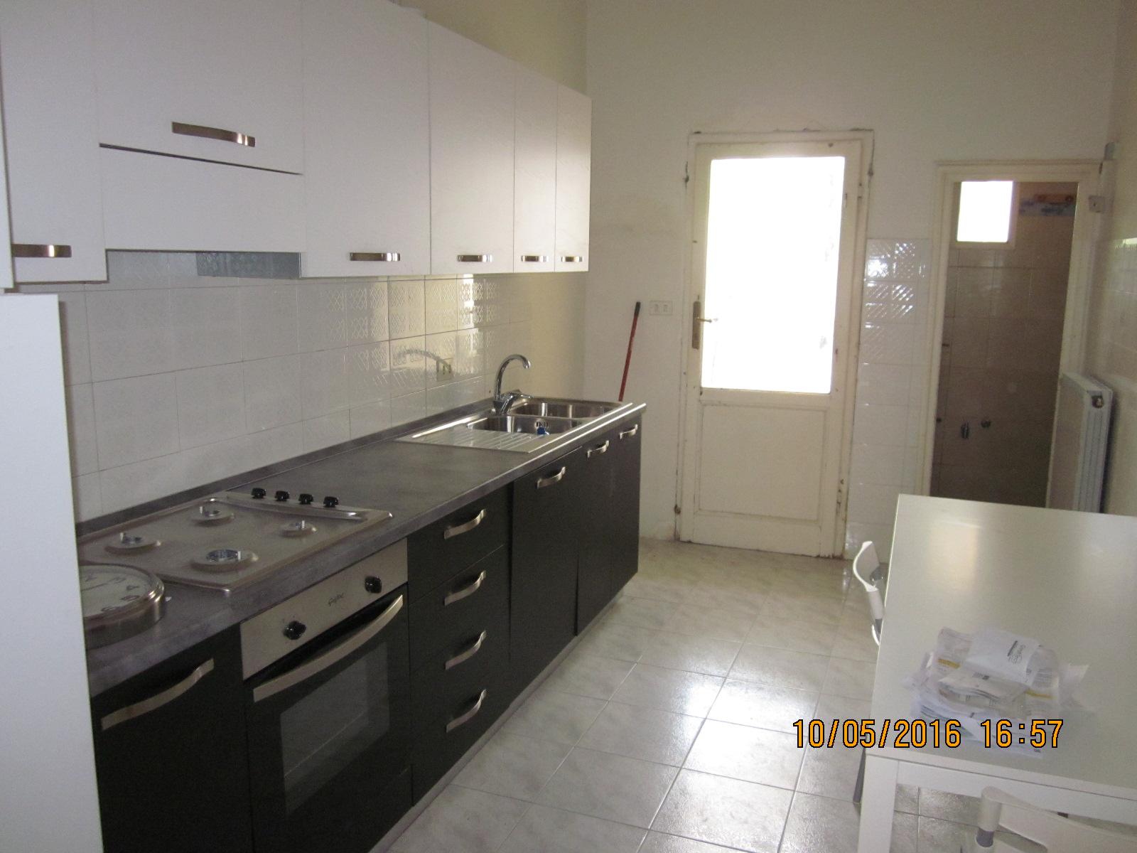 Soluzione Indipendente in vendita a Viareggio, 4 locali, zona Località: Centro, prezzo € 250.000 | Cambio Casa.it