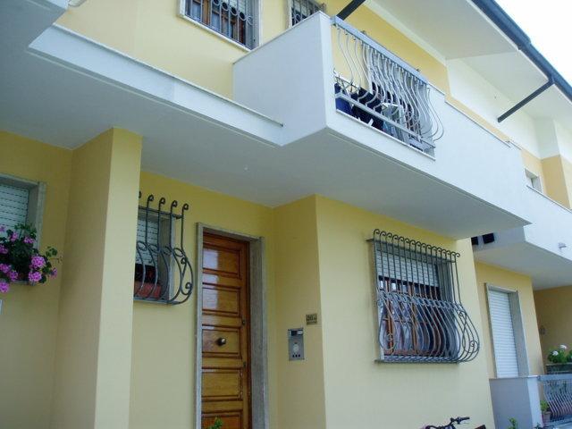 Soluzione Indipendente in vendita a Viareggio, 8 locali, prezzo € 330.000   Cambio Casa.it