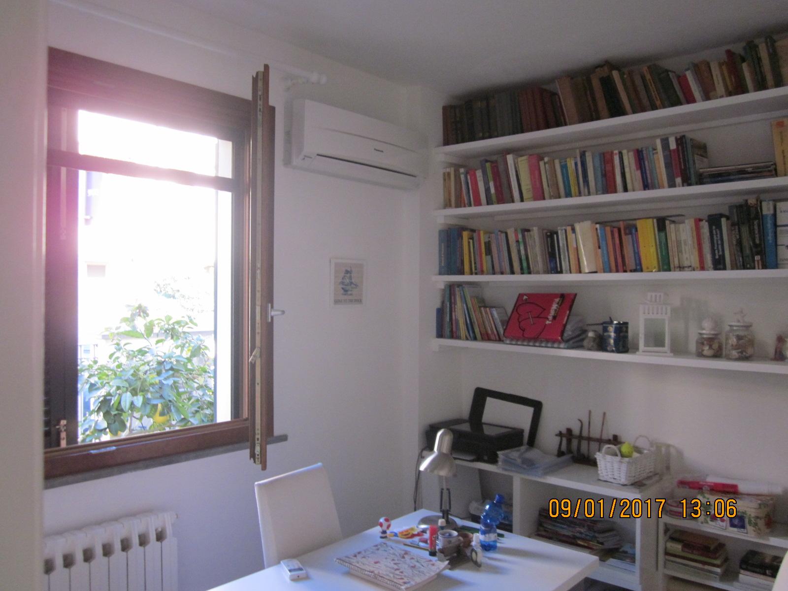 Soluzione Indipendente in affitto a Viareggio, 5 locali, zona Località: Entroterragenerico, prezzo € 1.000 | Cambio Casa.it