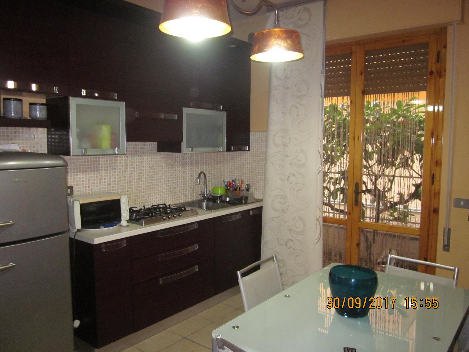 Appartamento in affitto a Viareggio, 3 locali, zona Località: Darsena/CampoDaviazione, prezzo € 500 | CambioCasa.it