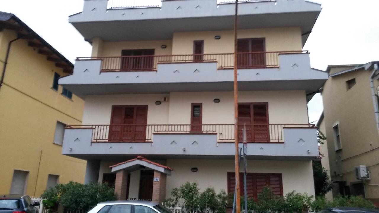 Soluzione Indipendente in vendita a Tortoreto, 10 locali, zona Località: TortoretoLido, prezzo € 490.000 | Cambio Casa.it