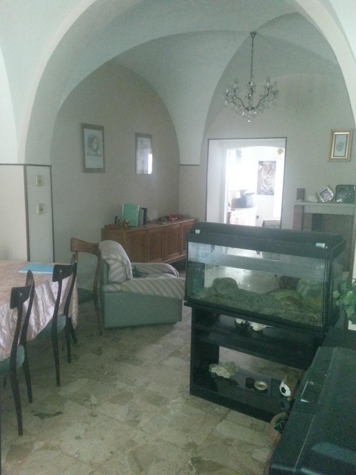 Soluzione Indipendente in vendita a Teramo, 5 locali, zona Zona: Centro , prezzo € 190.000 | Cambio Casa.it