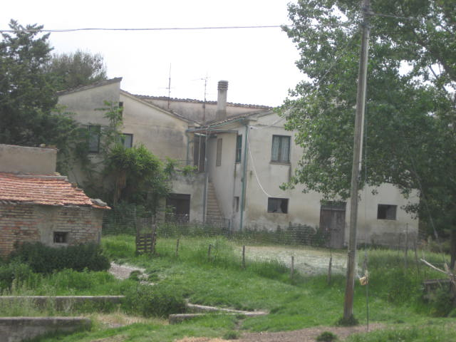 Rustico / Casale in vendita a Teramo, 10 locali, prezzo € 300.000 | Cambio Casa.it
