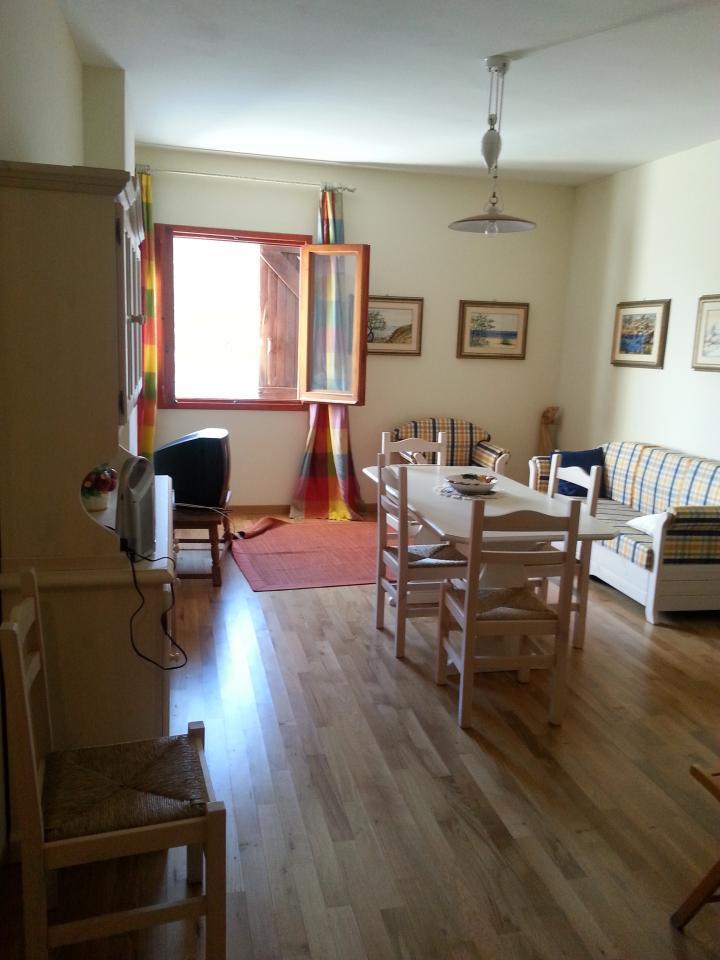 Appartamento in affitto a Pietracamela, 2 locali, zona Località: PratidiTivo, prezzo € 500 | Cambio Casa.it