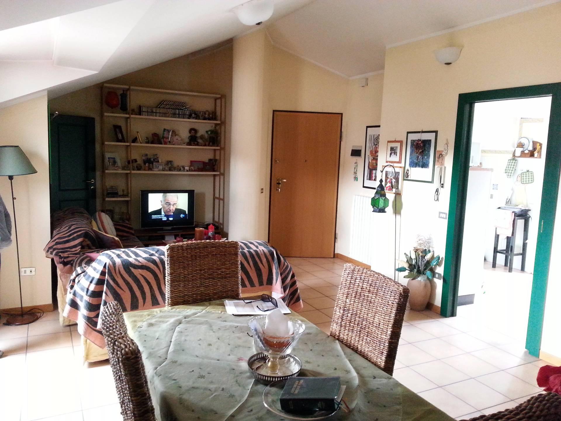 Attico / Mansarda in vendita a Teramo, 4 locali, zona Località: Primaperiferia, prezzo € 130.000   Cambio Casa.it