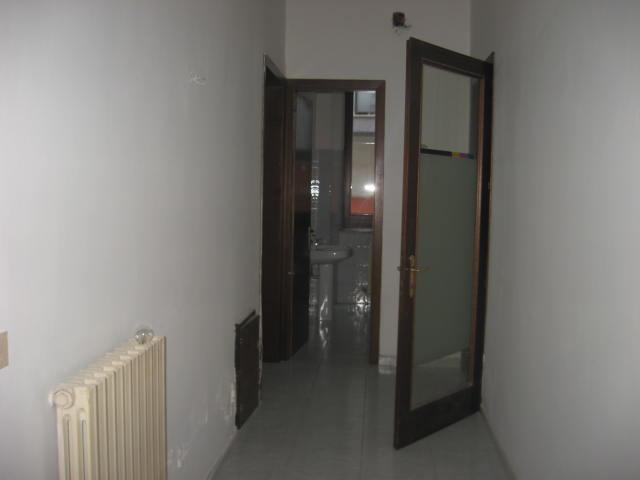 Ufficio / Studio in affitto a Teramo, 9999 locali, zona Zona: Centro , prezzo € 400 | Cambio Casa.it