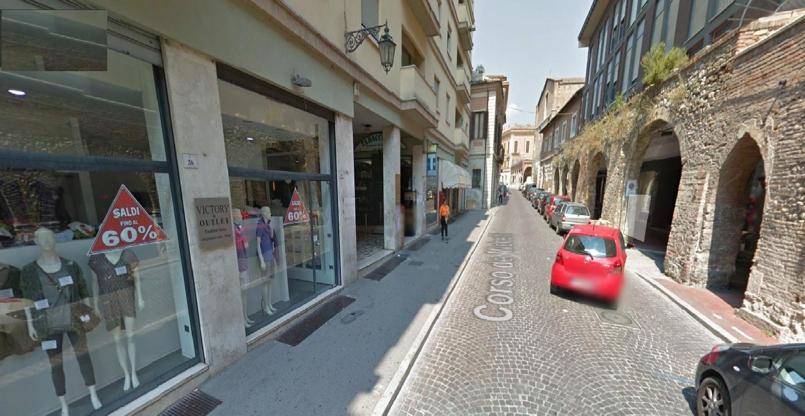 Negozio / Locale in vendita a Teramo, 9999 locali, zona Zona: Centro , prezzo € 250.000 | Cambio Casa.it