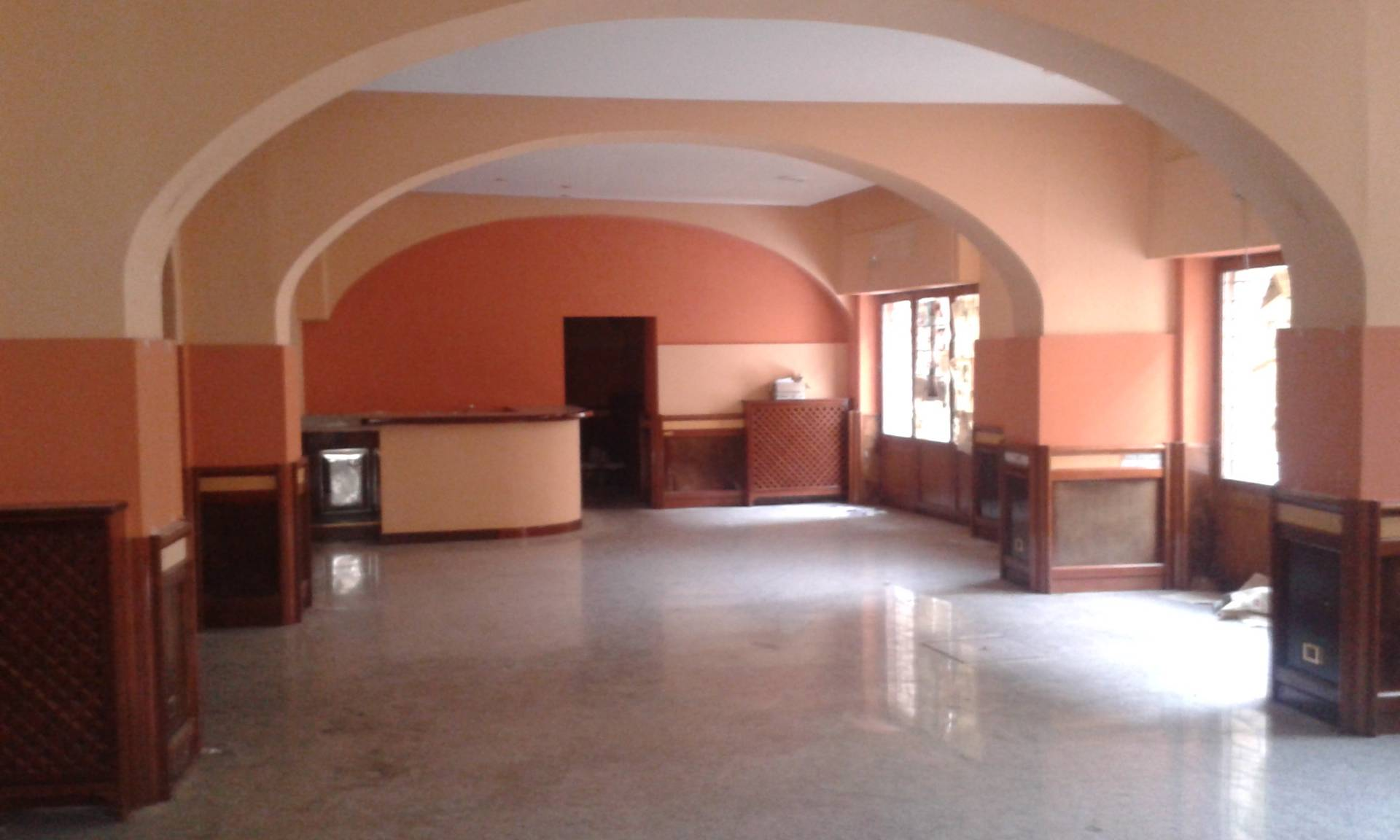 Negozio / Locale in affitto a Teramo, 9999 locali, prezzo € 2.400 | Cambio Casa.it