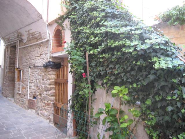 Rustico / Casale in vendita a Teramo, 5 locali, zona Località: PoggioSanVittorino, prezzo € 55.000 | Cambio Casa.it