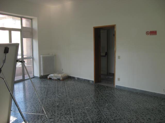 Ufficio / Studio in affitto a Teramo, 9999 locali, zona Località: Stazione, prezzo € 800 | Cambio Casa.it