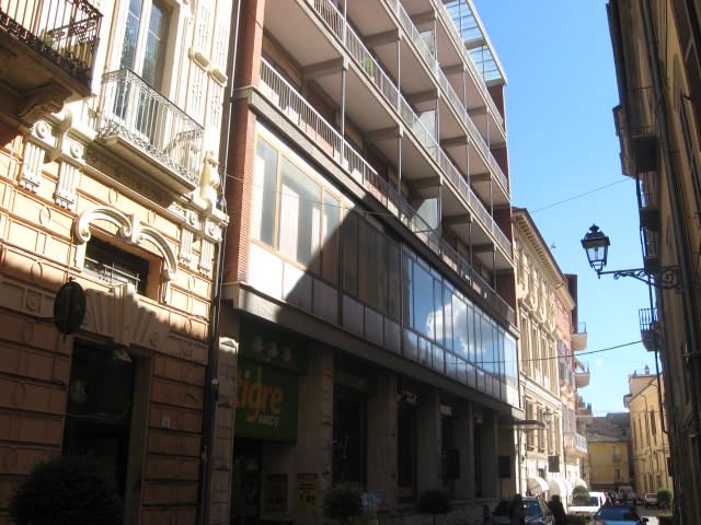Ufficio / Studio in affitto a Teramo, 9999 locali, zona Zona: Centro , prezzo € 2.300 | Cambio Casa.it