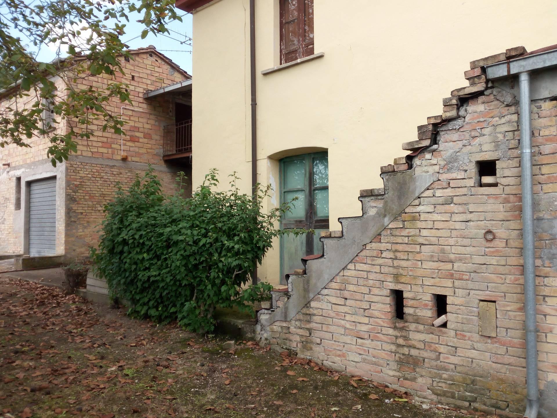 Soluzione Indipendente in vendita a Campli, 4 locali, zona Zona: Pagannoni, prezzo € 65.000 | Cambio Casa.it