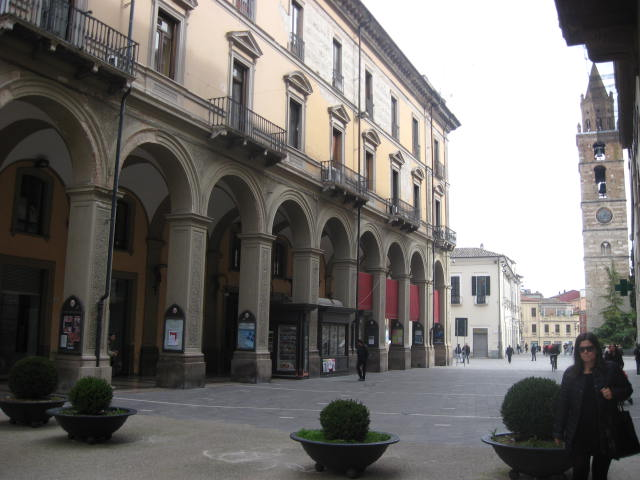 Ufficio / Studio in affitto a Teramo, 9999 locali, zona Zona: Centro , prezzo € 550 | Cambio Casa.it