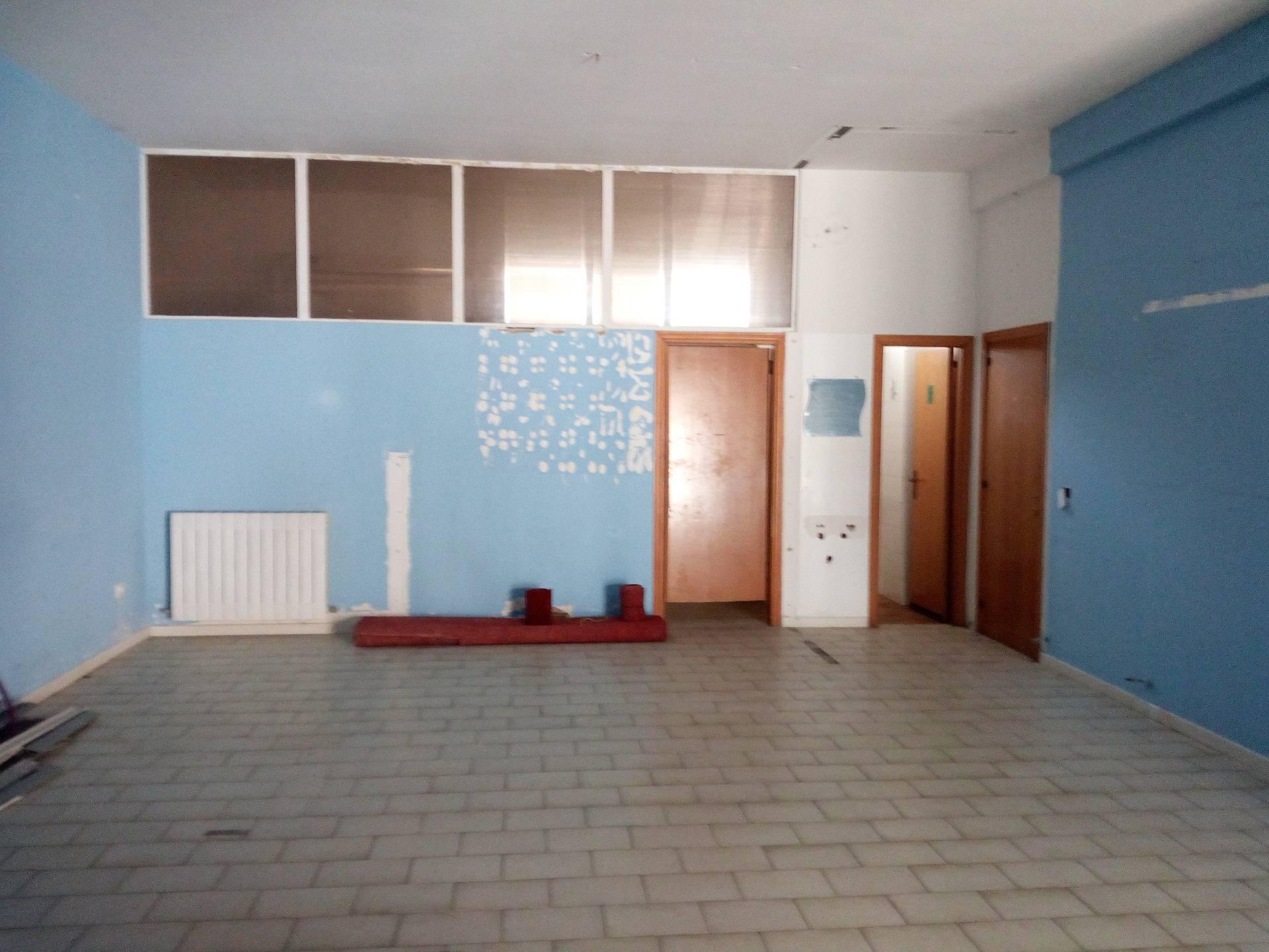 Negozio / Locale in vendita a Alba Adriatica, 9999 locali, zona Località: ZonaMare, prezzo € 89.000 | CambioCasa.it