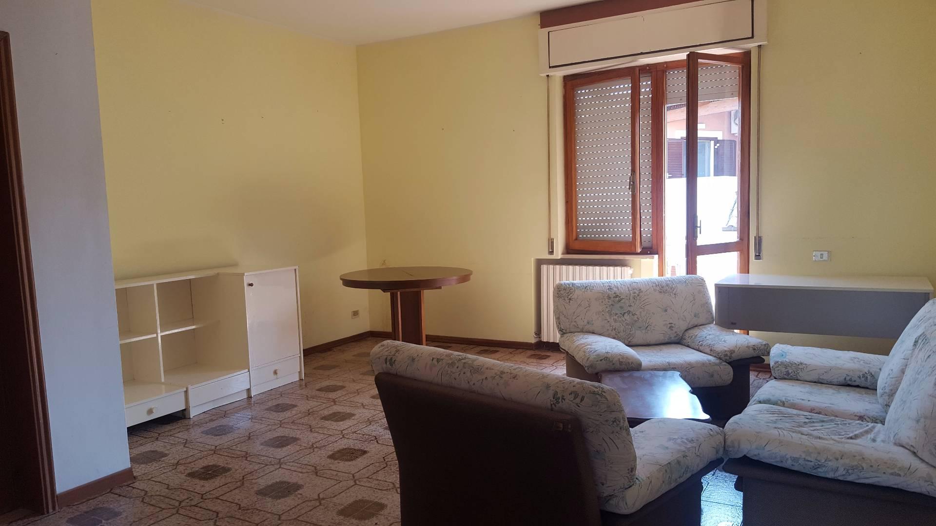 Appartamento in affitto a Teramo, 4 locali, zona Località: VillaMosca, prezzo € 380 | CambioCasa.it