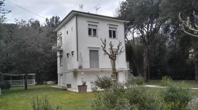 Villa in Vendita a Massa