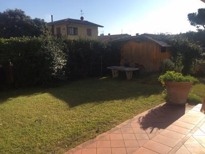 Villa Bifamiliare in Vendita<br>a Seravezza