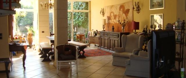 Villa a Schiera in Vendita a Aci Castello