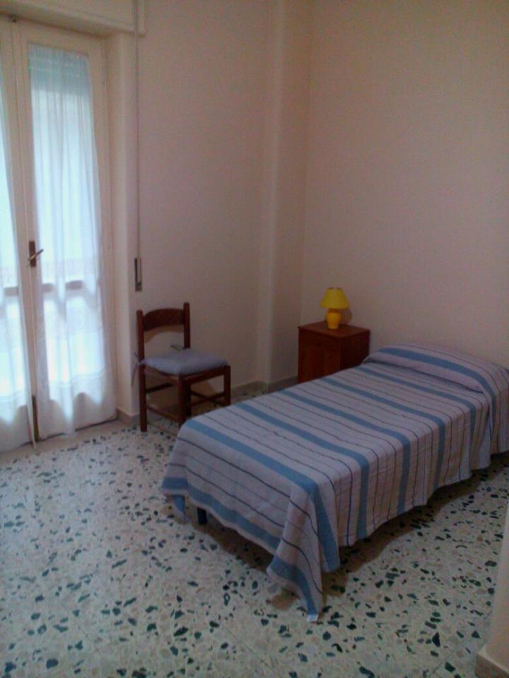 Appartamento in affitto a Catania, 6 locali, zona Località: Zonadiprestigio, prezzo € 170   Cambio Casa.it