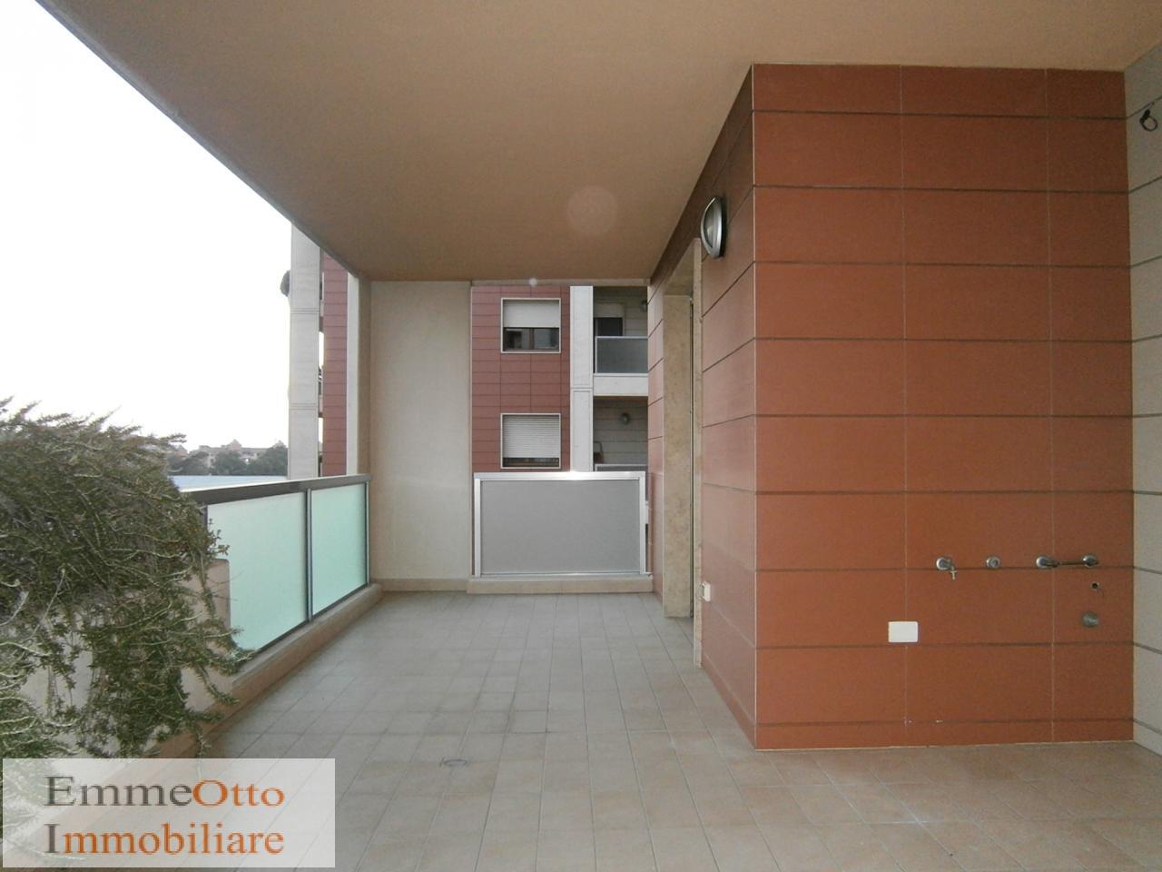Appartamento in affitto a Cagliari, 3 locali, zona Zona: Poetto, prezzo € 1.300 | Cambio Casa.it