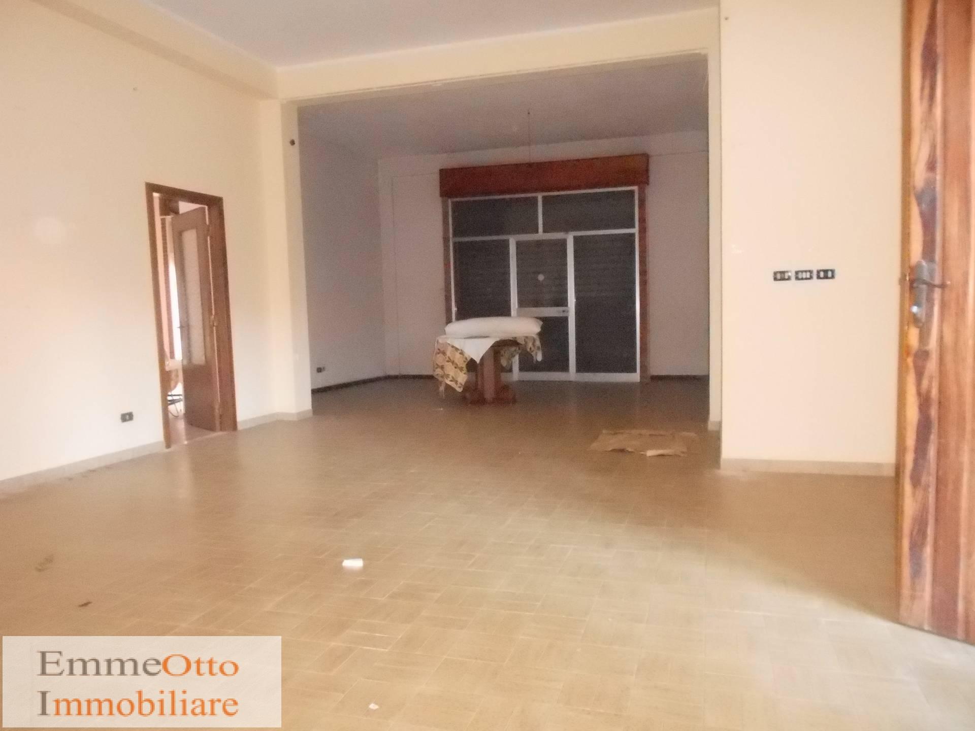 Negozio / Locale in affitto a Assemini, 9999 locali, prezzo € 1.000 | Cambio Casa.it