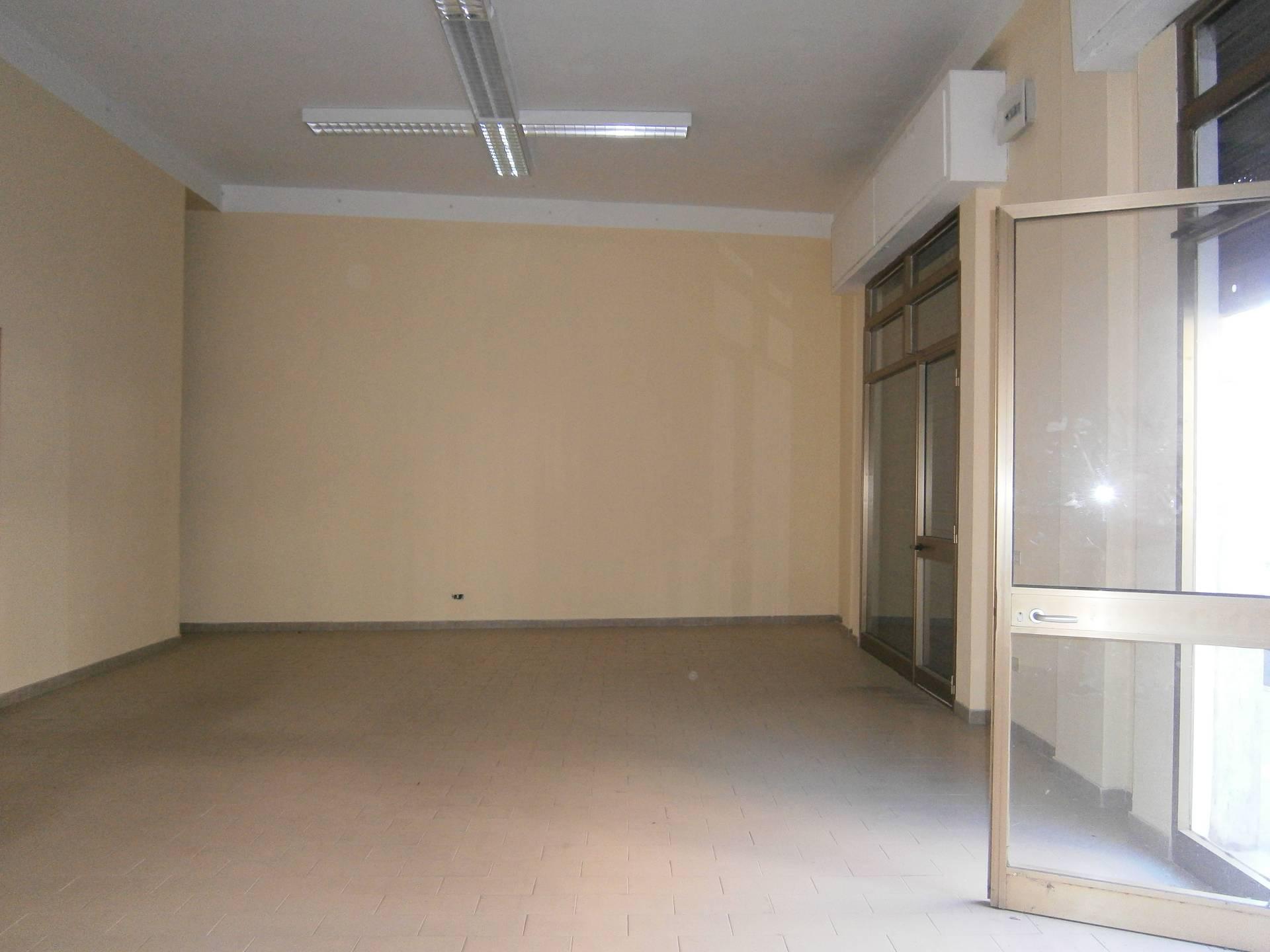 Negozio / Locale in affitto a Quartu Sant'Elena, 9999 locali, zona Località: VialeMarconi, prezzo € 800 | Cambio Casa.it