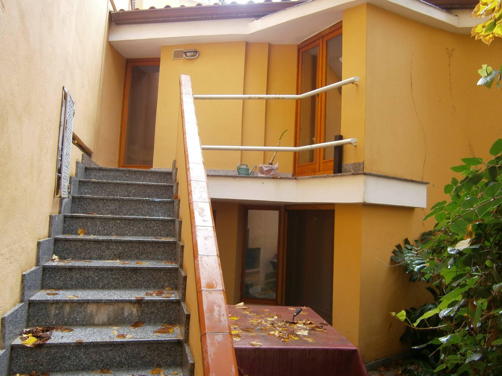 Villa in affitto a Cagliari, 3 locali, zona Zona: Villanova, prezzo € 800 | Cambio Casa.it
