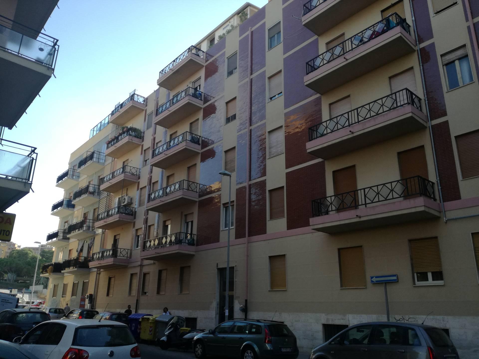 Appartamento in affitto a Cagliari, 7 locali, zona Zona: Villanova, prezzo € 1.300 | CambioCasa.it