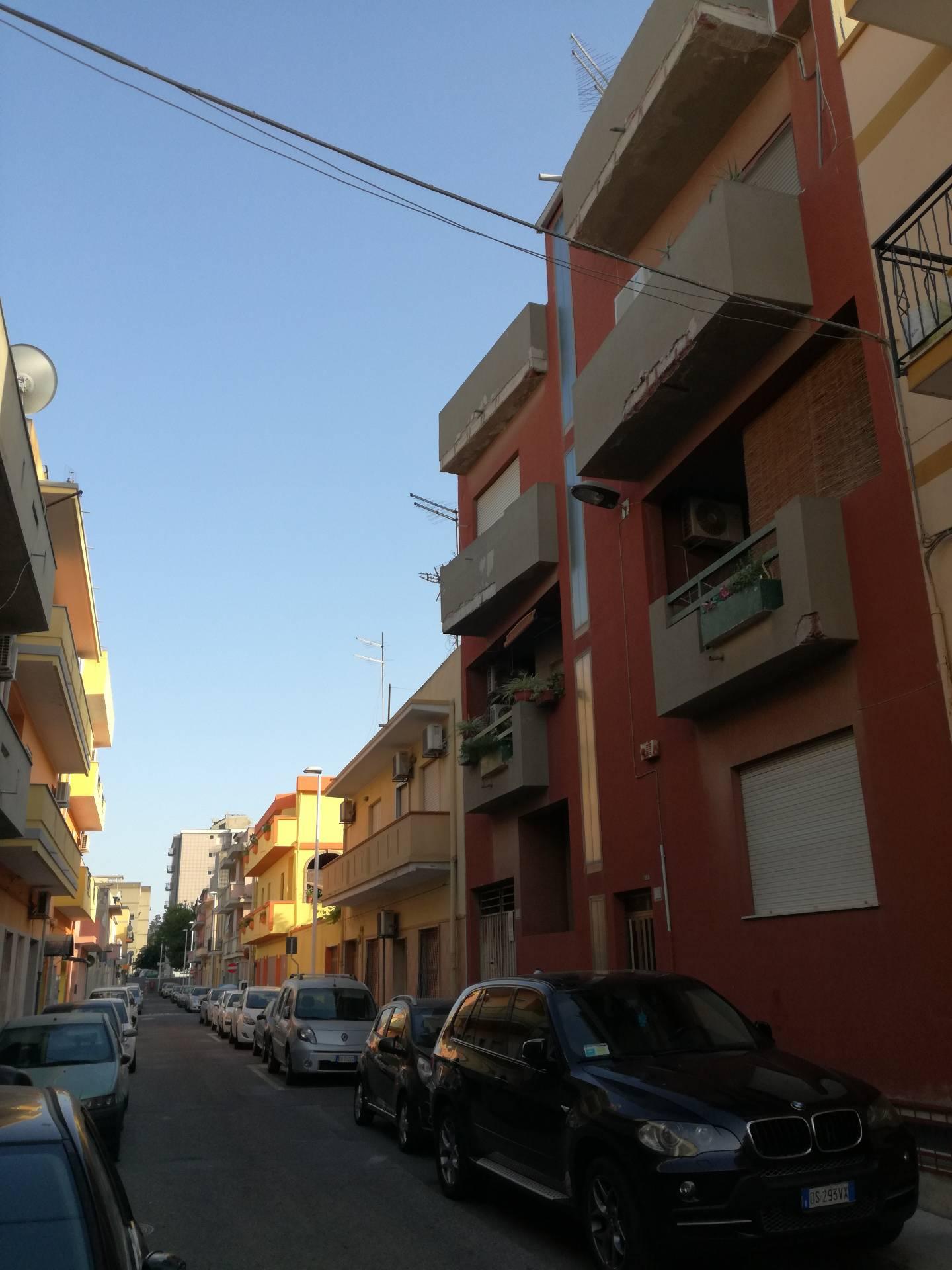 Appartamento in affitto a Quartu Sant'Elena, 1 locali, zona Località: VialeColombo, prezzo € 280 | CambioCasa.it