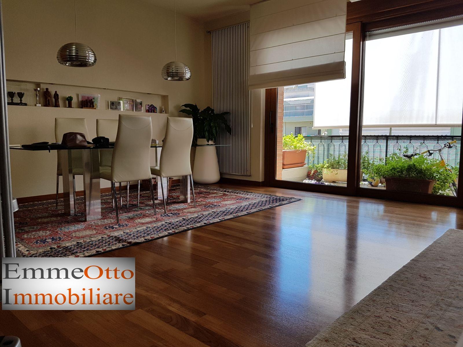 Appartamento in affitto a Cagliari, 4 locali, zona Località: QuartieredelSole, prezzo € 1.500 | CambioCasa.it