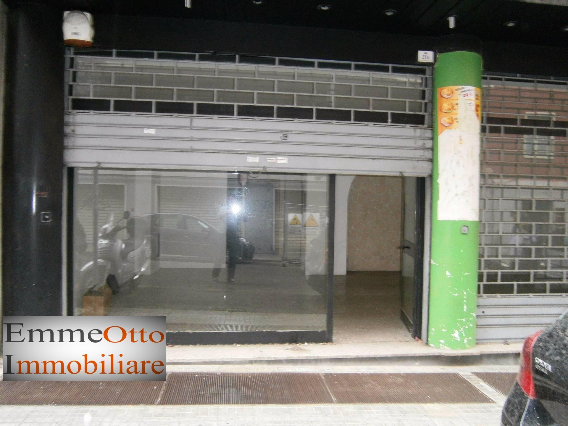 Negozio / Locale in affitto a Cagliari, 9999 locali, zona Località: SanBenedetto, prezzo € 950 | CambioCasa.it