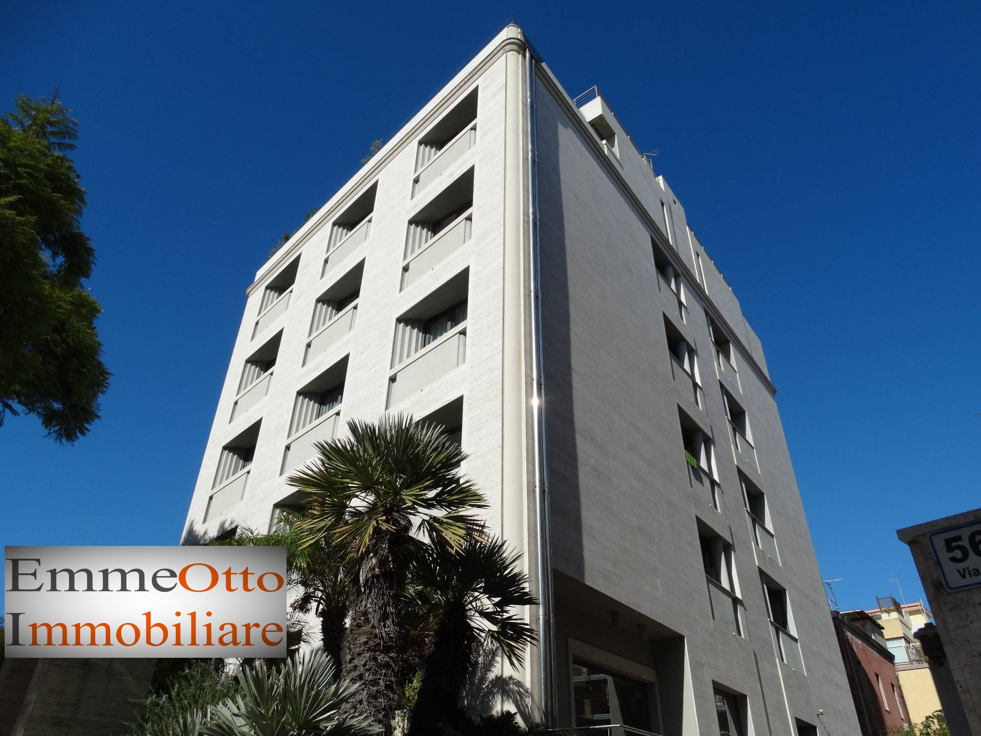 Appartamento in affitto a Cagliari, 4 locali, zona Zona: Bonaria, prezzo € 1.100 | CambioCasa.it