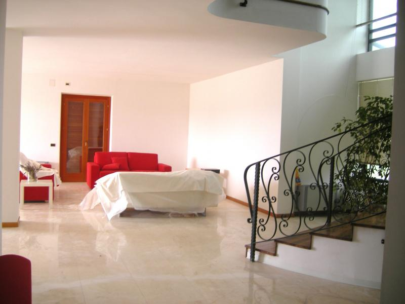 Villa in vendita a Nereto, 8 locali, prezzo € 790.000 | Cambio Casa.it